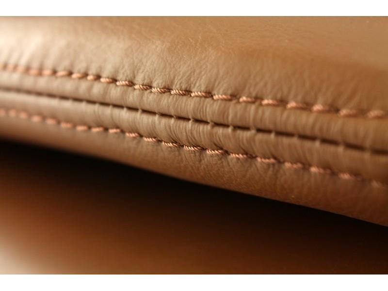 Image du fauteuil design Sillón Egg Arne Jacobsen - chocolate Cafe