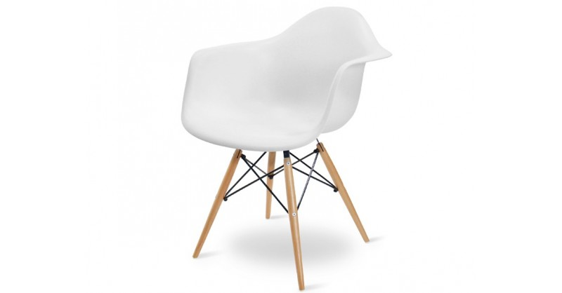 DAW Stuhl jetzt bei Famous Design bestellen